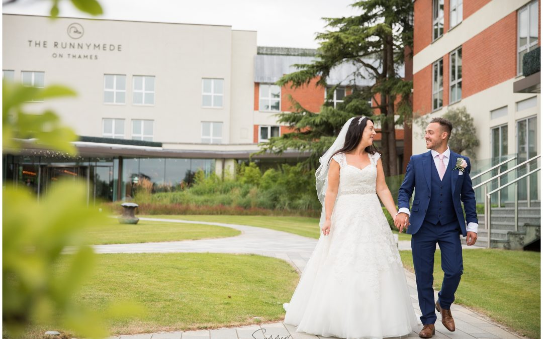 Berkshire Wedding Photographer – The Runnymede Hotel Surrey – Summer Wedding by the River Thames