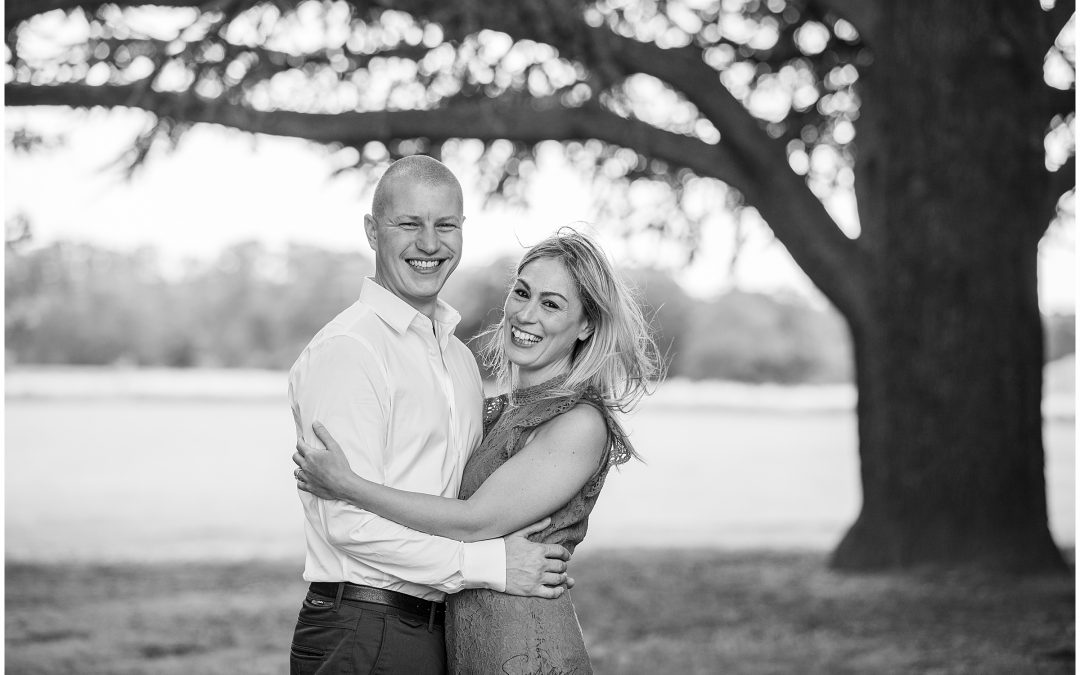 Berkshire Wedding Photographer – A summer engagement shoot at Easthampstead Park